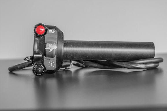 E-Gasgriff für Ducati Panigale 1199/R/S (12-17) von JetPrime