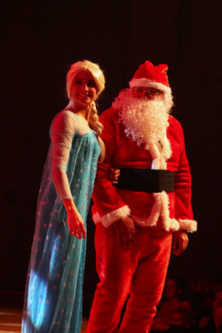Le Père Noël et la Reine des Neiges