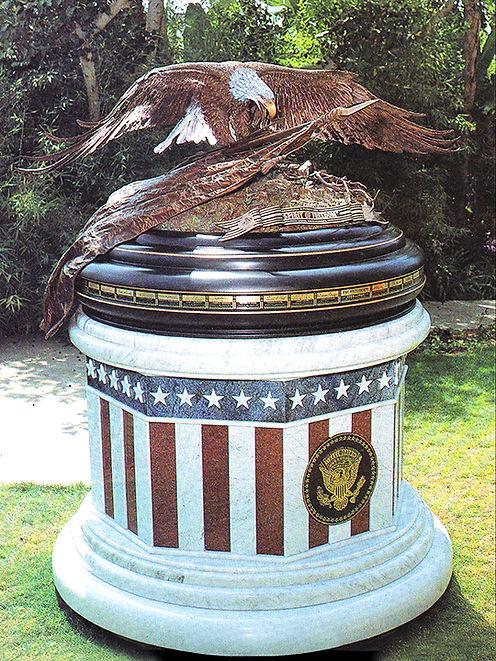 PRESIDENTIAL MONUMENT1.jpg