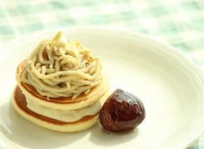 秋の味覚。10月のおすすめレシピ【ホットケーキモンブラン】