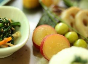 11月は和食月間【さつま芋のレモン煮】【大根のゆかり和え】作り方