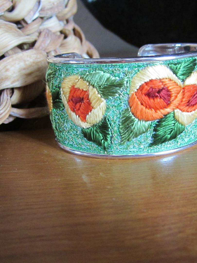 Bracelet joline aux roses jaunes