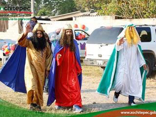 Reparten Reyes Magos juguetes en colonias de Xochitepec