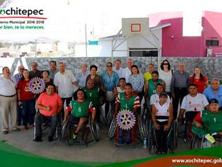 Dona Club Rotario AC sillas de ruedas a selección de básquetbol