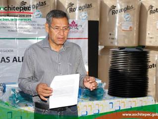 Benefician a 26 familias del municipio con entrega de tinacos
