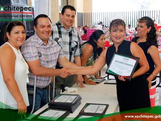 Festejan a maestros de Xochitepec