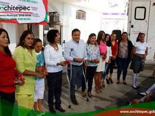 Instala Instituto de la Mujer unidad móvil en Xochitepec
