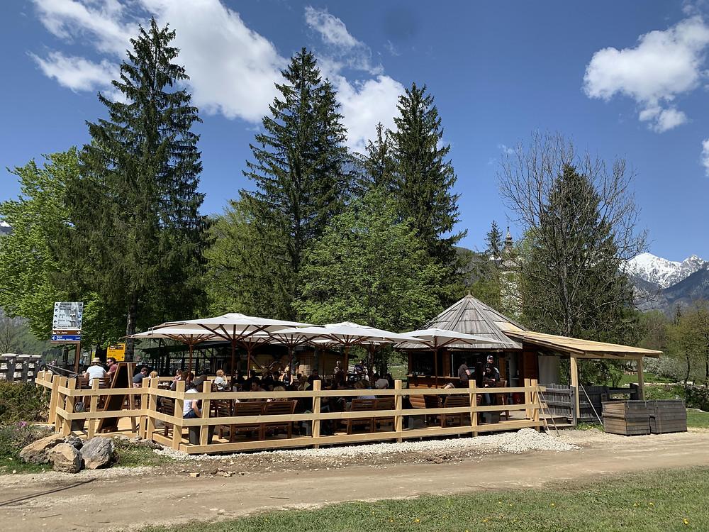 Karakter Bar during the hot summer day