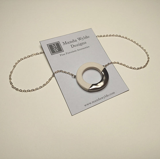 White and Platinum Large Lustre Ring Necklace