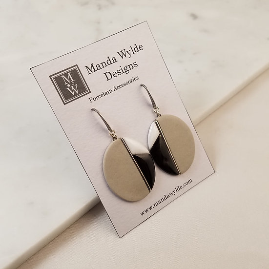 Moderna Earrings in Fawn and Platinum