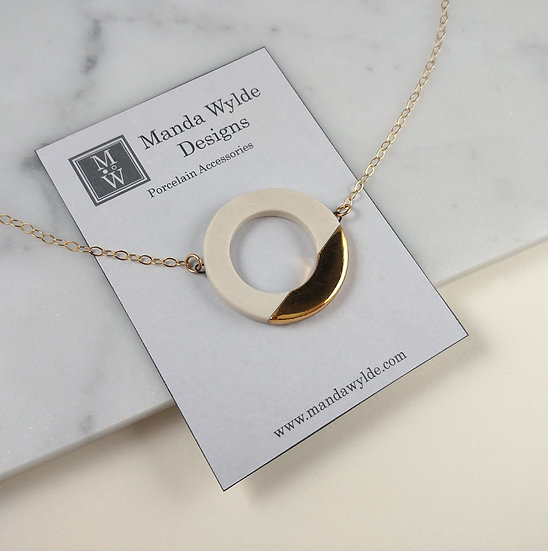 White and Gold Large Lustre Ring Necklace