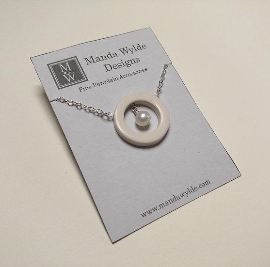 Nouveau Necklace in White