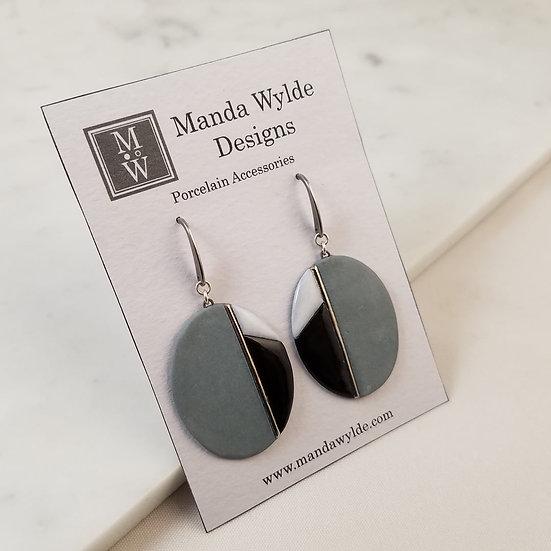 Moderna Earrings in Dove and Platinum