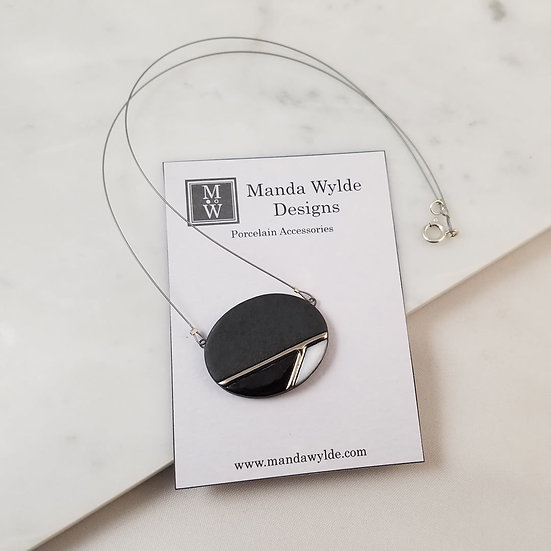 Moderna Necklace in Black and Platinum on Cable