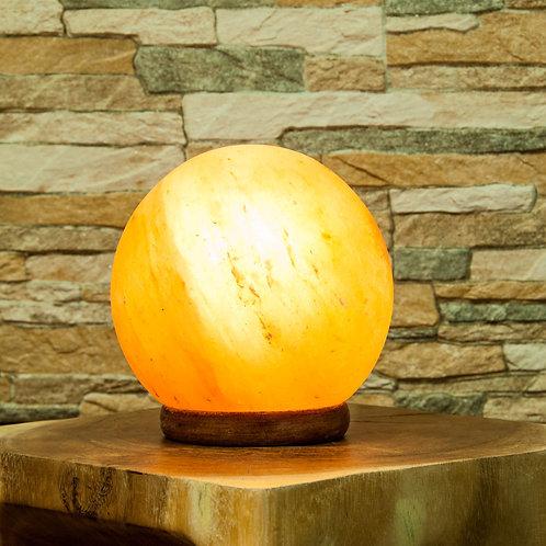 Salz-Kugel Lampe mit Holzsockel