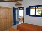 Los bungalows del camping Armalygal tienen dos habitaciones,cocina y baño con porche exterior jardín y aparcamiento con vistas espectaculares a los Mallos de Riglos con piscina de verano y restaurante
