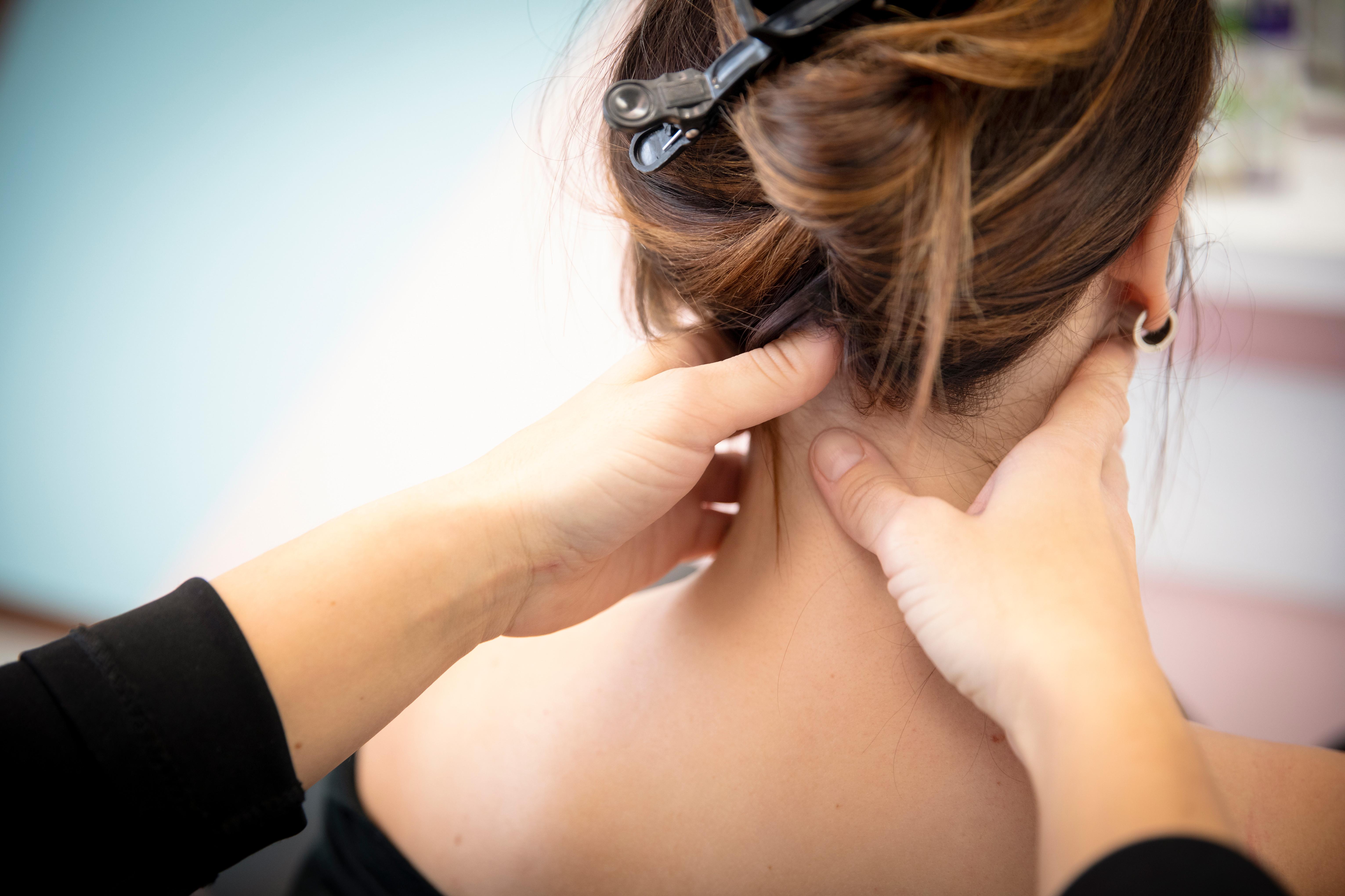 Massage crânien et brushing femme