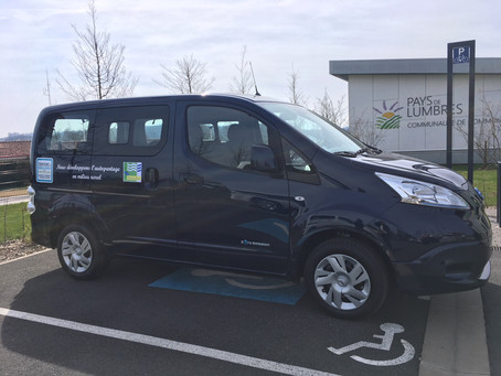 Deux communes rurales se partagent des véhicules électriques en libre-service
