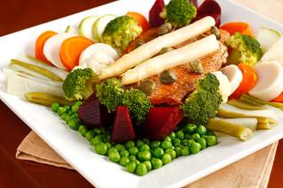Culinária terapêutica - Comida natural e viva: pratos coloridos são opções de saúde