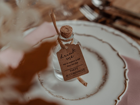 DIY Wedding Advice - 6 steps to follow to postpone your wedding now.