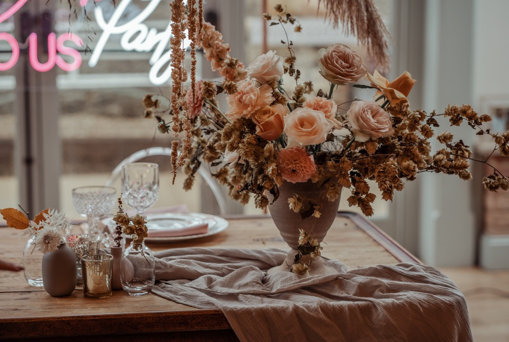 Beautiful bohemian wedding flowers