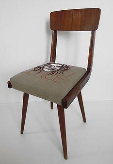 meryl_krzesło.jpg