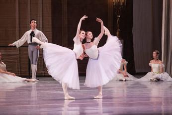 Танцев хватило на всех: выпускной концерт АРБ им. Вагановой в Кремле
