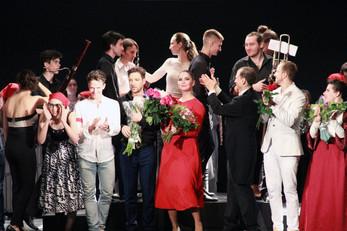 New Opera World: суфражистки, Ленин и Евгений Онегин