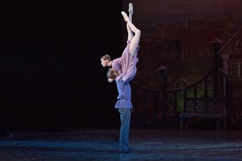 """Балет """"Анюта"""": сцены из провинциальной жизни"""