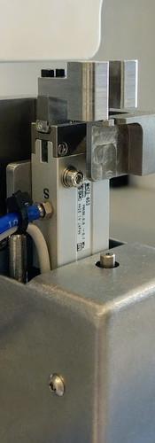 Lead-screw positioner