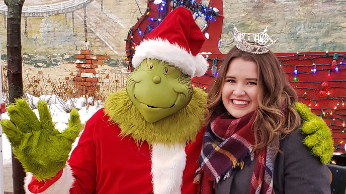 2019 Holiday Hoopla with Grinch - Landsc
