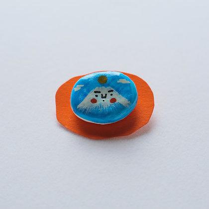 富脂山pin / handmade ceramic figure