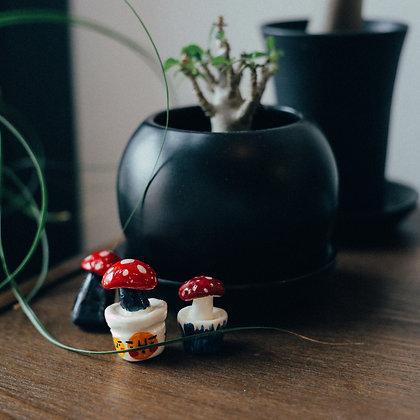 紅脂菇(一套三隻) / handmade ceramic figure