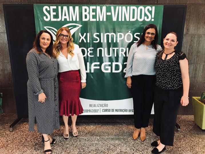 IV ENCONTRO DE FORMAÇÃO PROISSIONAL NA UFGD 2019.  Na foto, Presidente do Sindnutri Ms Dra Rosemarly Candil e Dra Viviane dos Santos Fontana (conselheira do CRN3) Dra Marta Favid (membro do Sindnutri.MS) e Dra Fernanda Seixas (docente da UFGD).