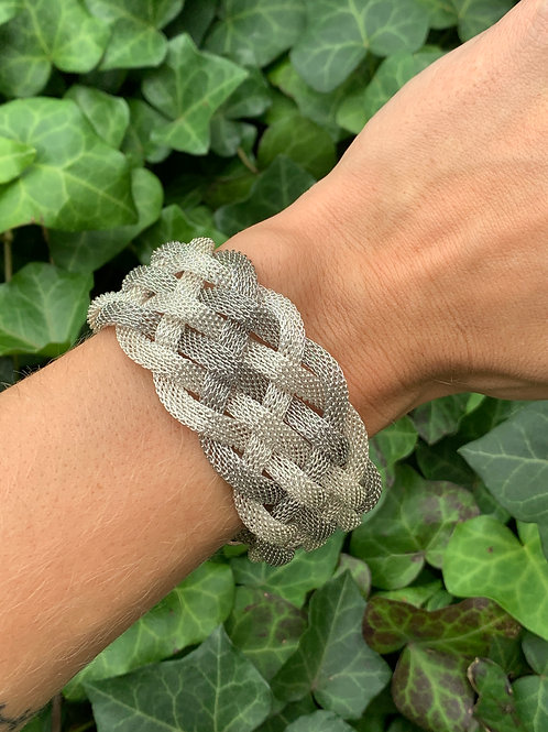 Magnetic Closure Bracelet
