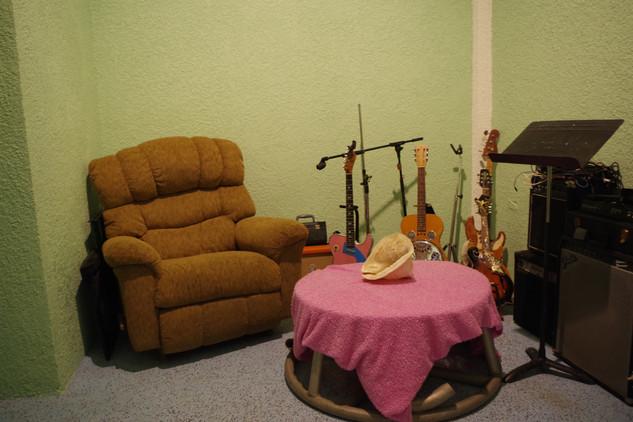 Master Bedroom (Lounge)