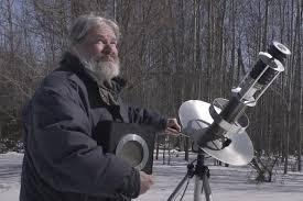 John Shepherd da 30 anni cerca di contattare gli alieni trasmettendo musica elettronica nello spazio