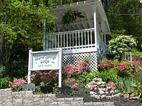 Best bed and breakfast in Gatlinburg and one of the best bed and breakfast inns in the Smoky Mountains.  Bed and Breakfast Inns near Pigeon Forge TN.  An award winning Smoky Mountain Bed and Breakfast and one of the best Bed and Breakfasts in Tennessee