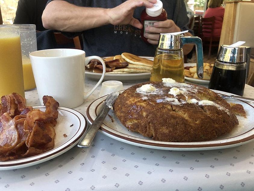 pancakesandbacon2.jpg