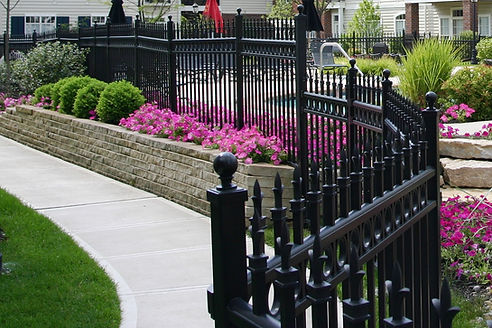 A Sevier county TN landscaping contractor.  Gatlinburg landscaping services and Pigeon Forge landscaping services.  Chain link fencing contractor for East TN. Servierville TN landscaping contractors. East TN commercial fencing companies.