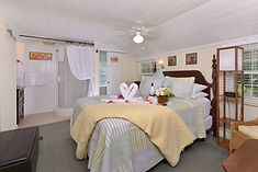 One of the best bed and breakfasts in Tennessee and a Smoky Mountain B&B.  Bed and breakfasts in Gatlinburg and bed and breakfasts in Pigeon Forge.  Bed and breakfasts in Tennessee. Bed and Breakfasts in the Smoky Mountains