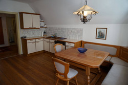 Apartment 11 - Küche & Essbereich