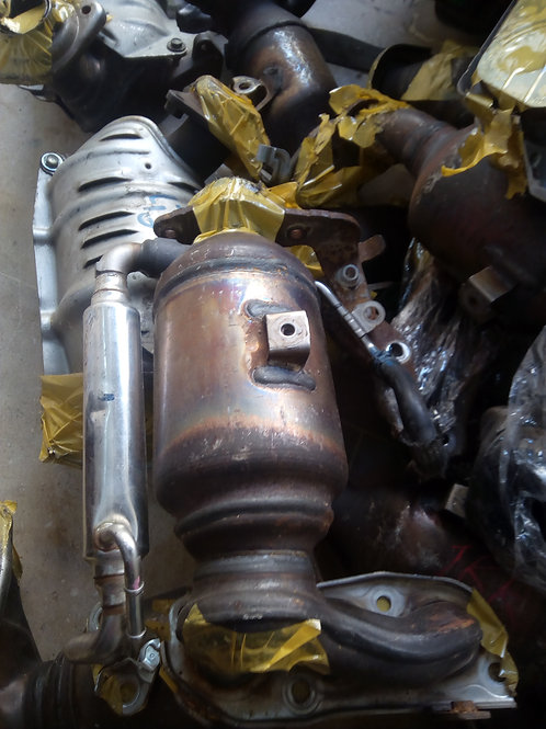Catalytic converter,exhaust manifold