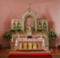 Easter Altar 1.jpg