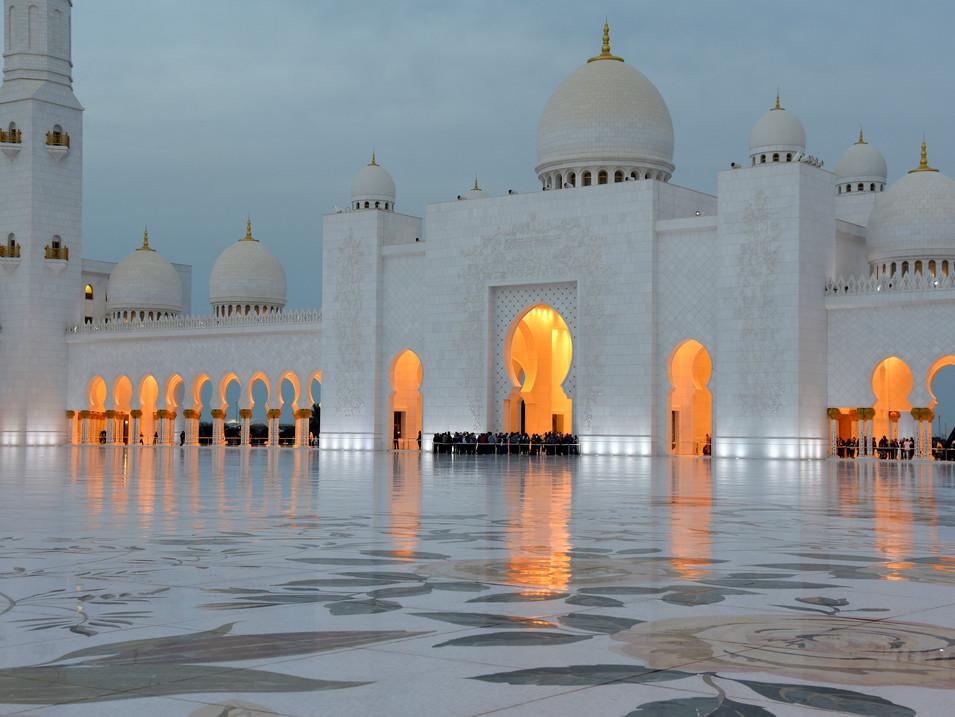 EM0008n Zayed Grand Mosque Abu Dhabi.jpg