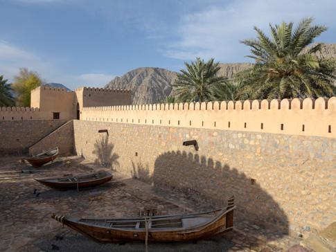 EM0008a Fort Khasab.jpg