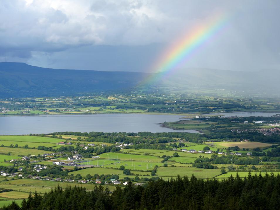 IR0009v Regenbogen Sligo Bay.jpg