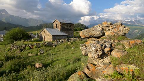 GE0009o Kirche in Tsvirmi.jpg
