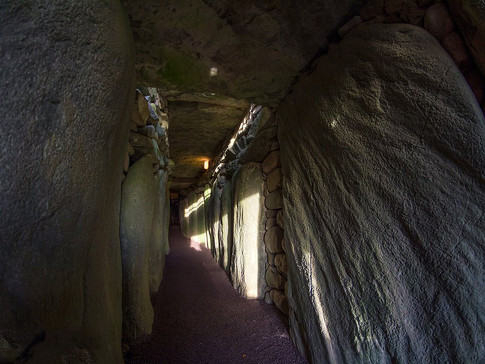 IR1182a Newgrange Gang 1.jpg