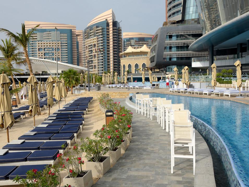 EM0008l Jumeirah Etihad Towers.jpg